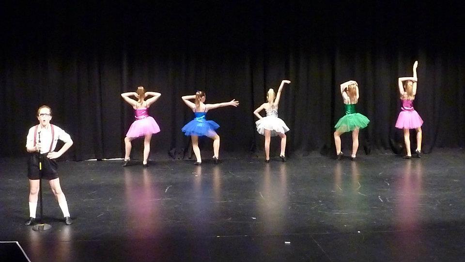baradene dance.jpg