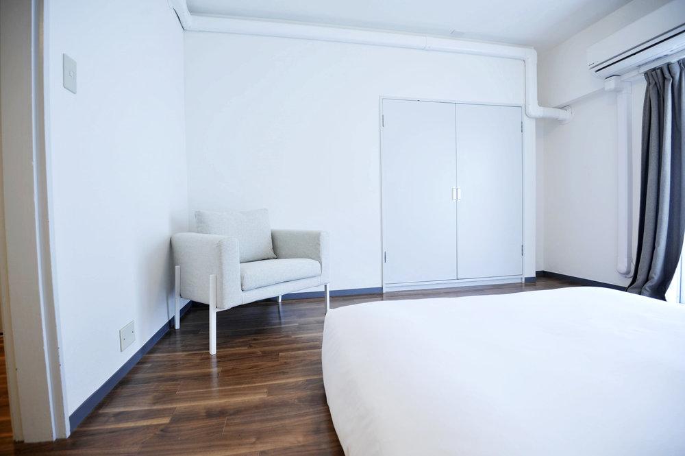 brown_bedroom_2.jpg