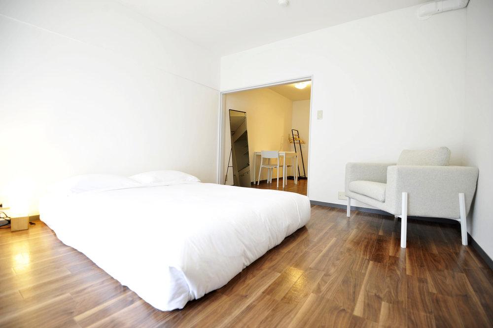 brown_bedroom_from_corner.jpg