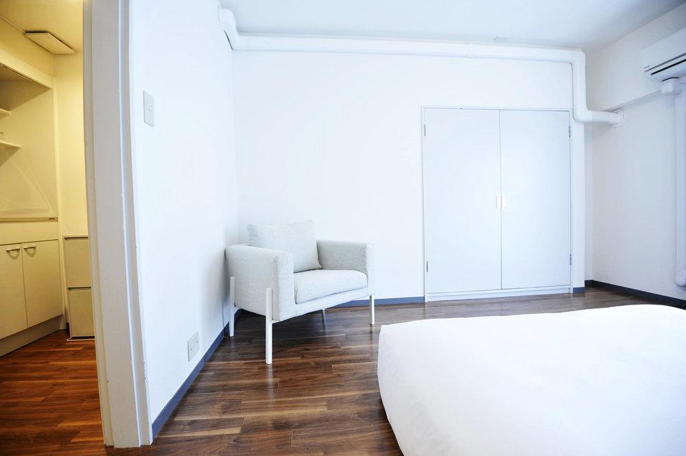 brown_bedroom_sofa.jpg
