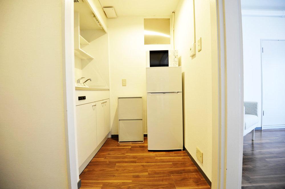 brown_kitchen.jpg