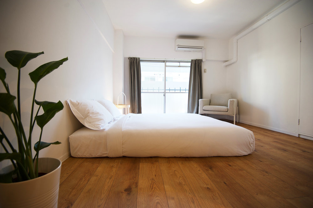 light_brown_bedroom.jpg