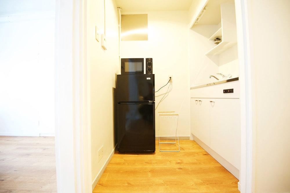 light_brown_kitchen_1.jpg