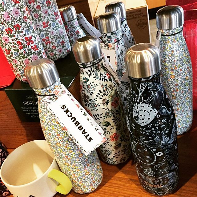 Oh. My. Word. Maybe my two favorite things ever commingling into the sweetest water bottle ever. Liberty + Starbucks = SWOON!