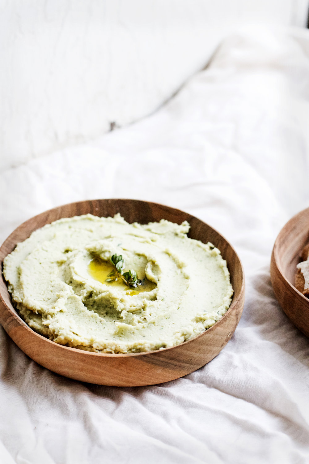 Lemony Garlic Herb White Bean Dip from Pretty Simple Cooking by A Couple Cooks | Ruby Josephine #vegan #prettysimplecooking