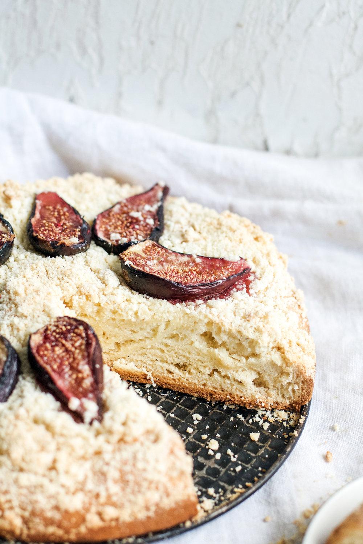 Yeasted Cardamom and Fig Cake {vegan} | Ruby Josephine