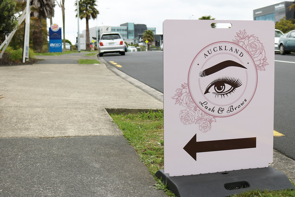 Road Sign for Auckland Lash & Brows
