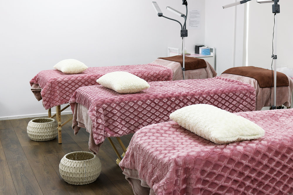Treatment beds inside the Auckland Lash & Brows clinic