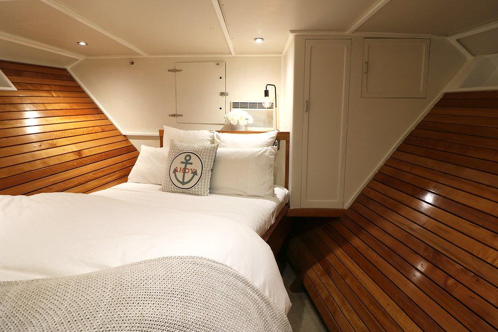 boat-interior-bedroom-1.jpg