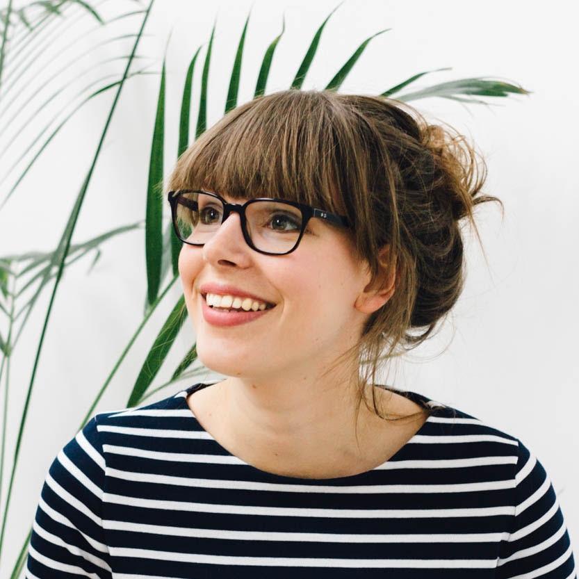 Annemieke Koster     PR en externe relaties    pr@textielcommissie.nl    Oprichter Enschede Textielstad, Enschede.    (foto: Nadine Klifman)