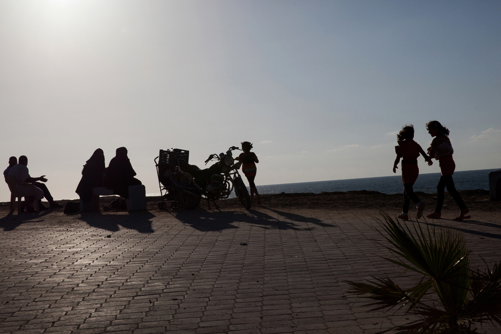 Gaza_City_Corniche-Grey_Hutton_13.jpg