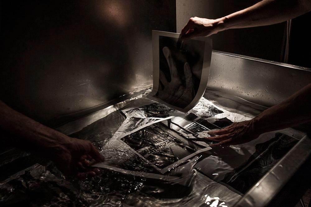Sino alla fine del novecento, questi processi alternativi di stampa, venivano presi in esame principalmente per la loro valenza filologica, con la nascita della fotografia digitale, le opportunità espressive di tali processi sono state in parte rivalutate.