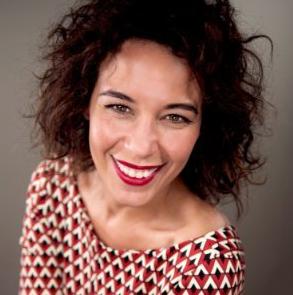 Cintia Taylor        WRITER & STORYTELLER
