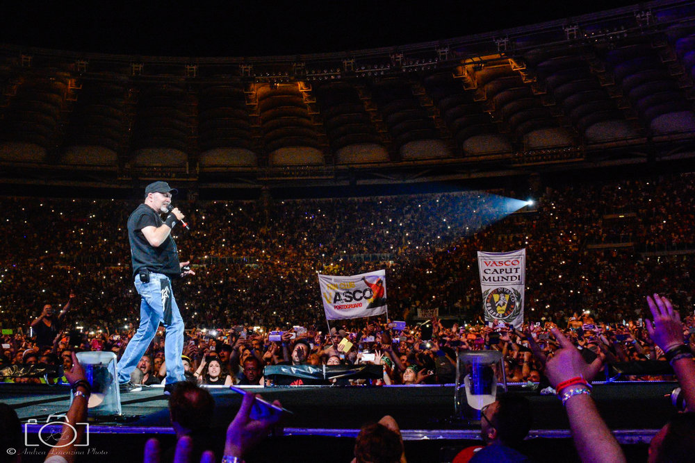 9-vasco-rossi-blasco-livekom-livekom016-live-spettacolo-rock-musica-concerto-concert-music.jpg