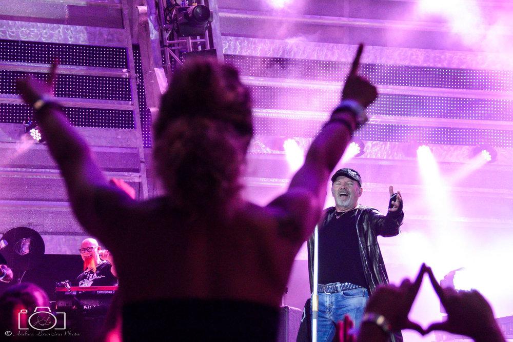 22-vasco-rossi-blasco-livekom-livekom016-live-spettacolo-rock-musica-concerto-concert-music.jpg