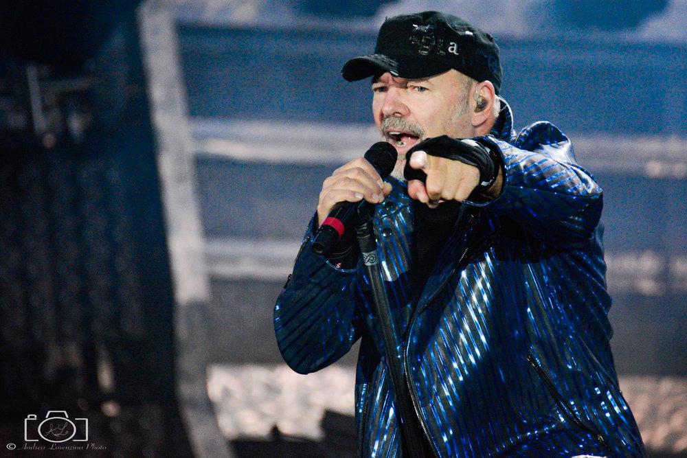 61-vasco-rossi-blasco-livekom-livekom016-live-spettacolo-rock-musica-concerto-concert-music.jpg