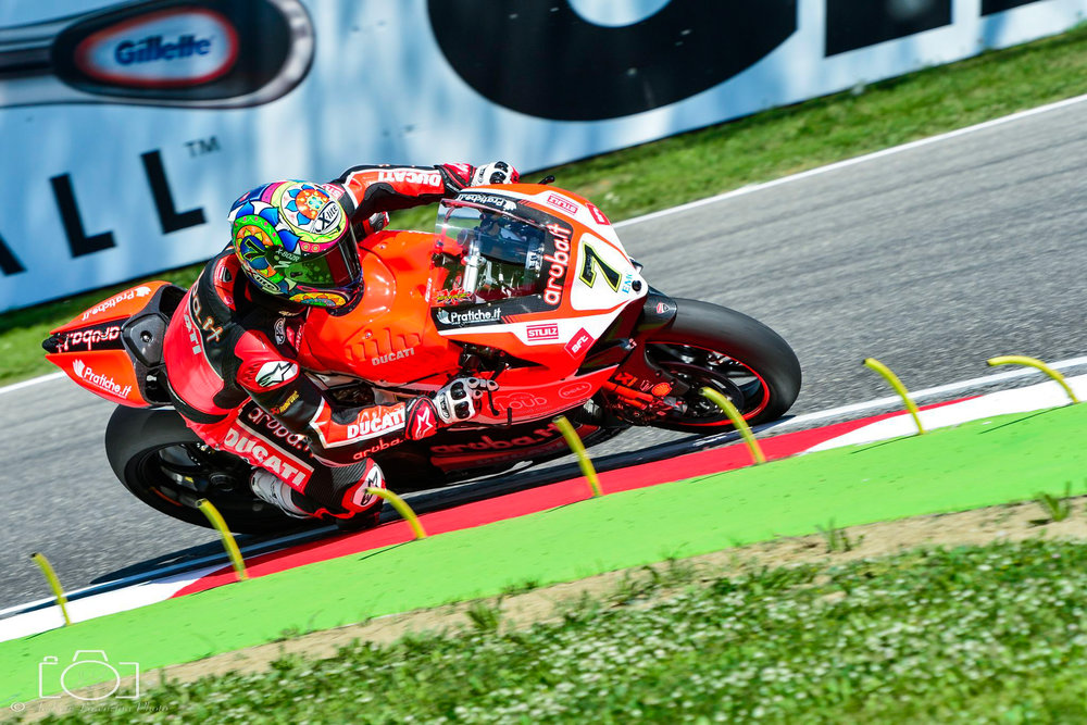 8-superbike-sbk-moto-bike-imola-race.jpg