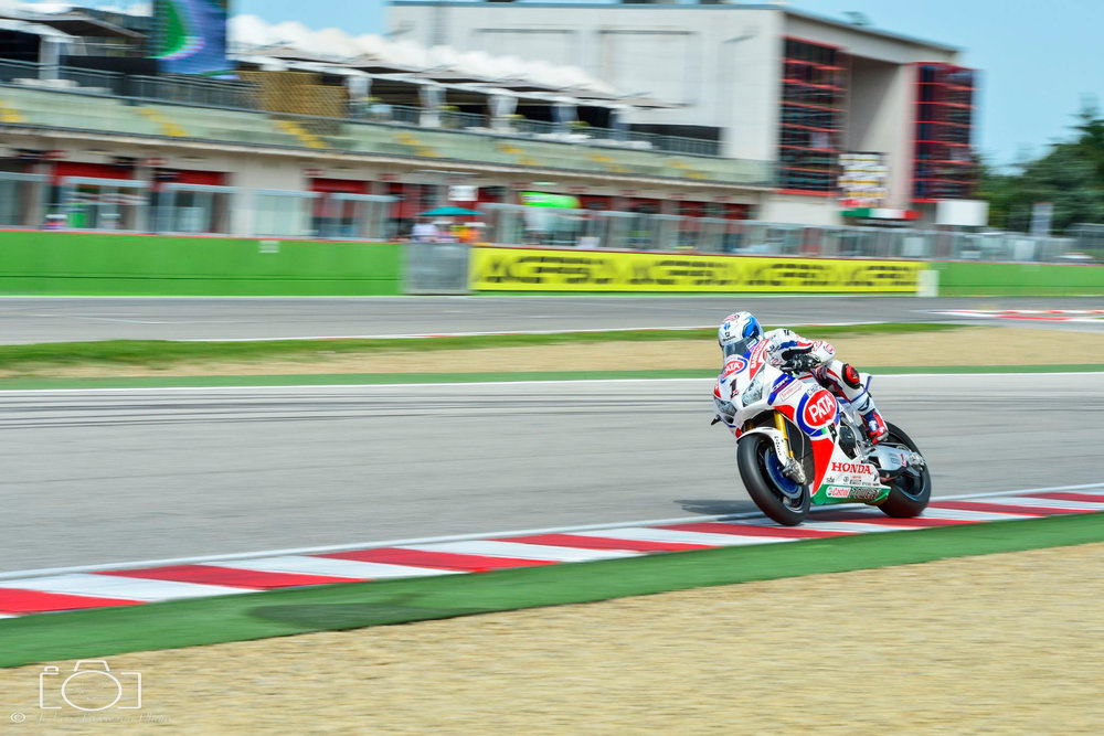 13-superbike-sbk-moto-bike-imola-race.jpg