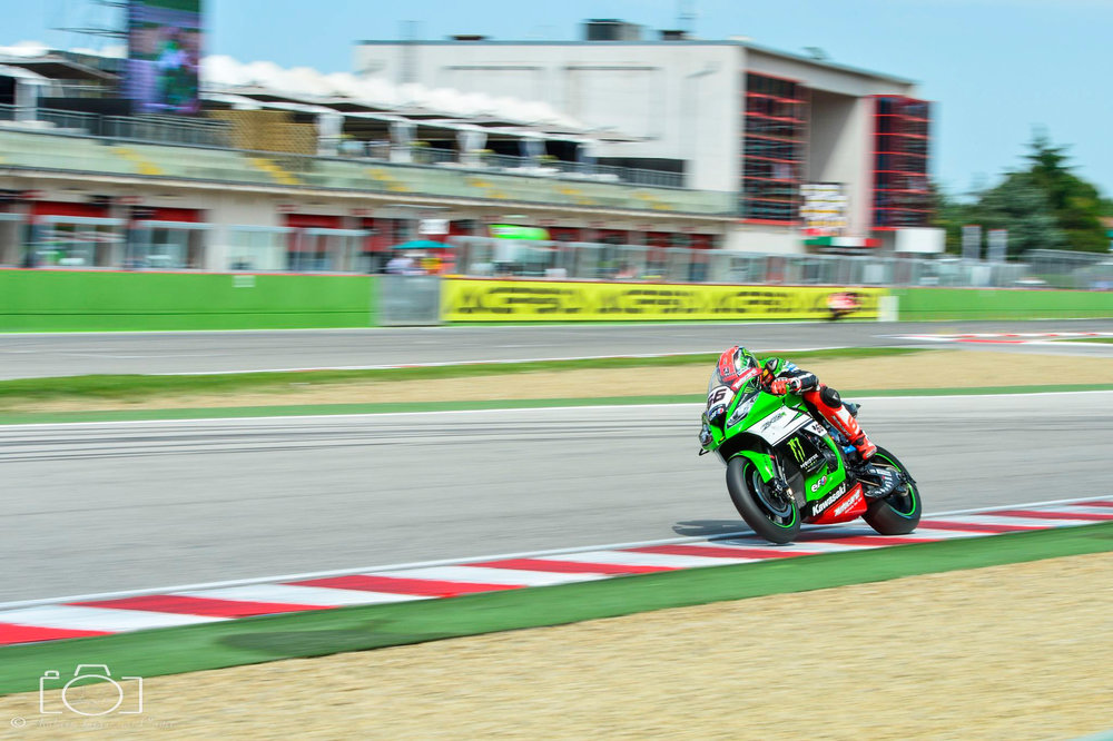 14-superbike-sbk-moto-bike-imola-race.jpg
