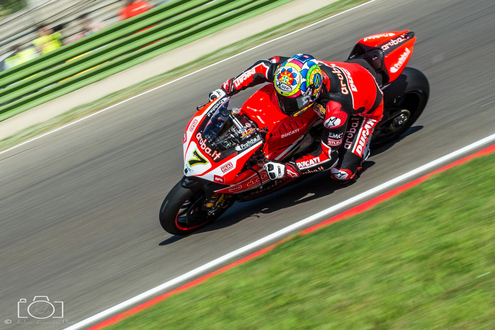 19-superbike-sbk-moto-bike-imola-race.jpg