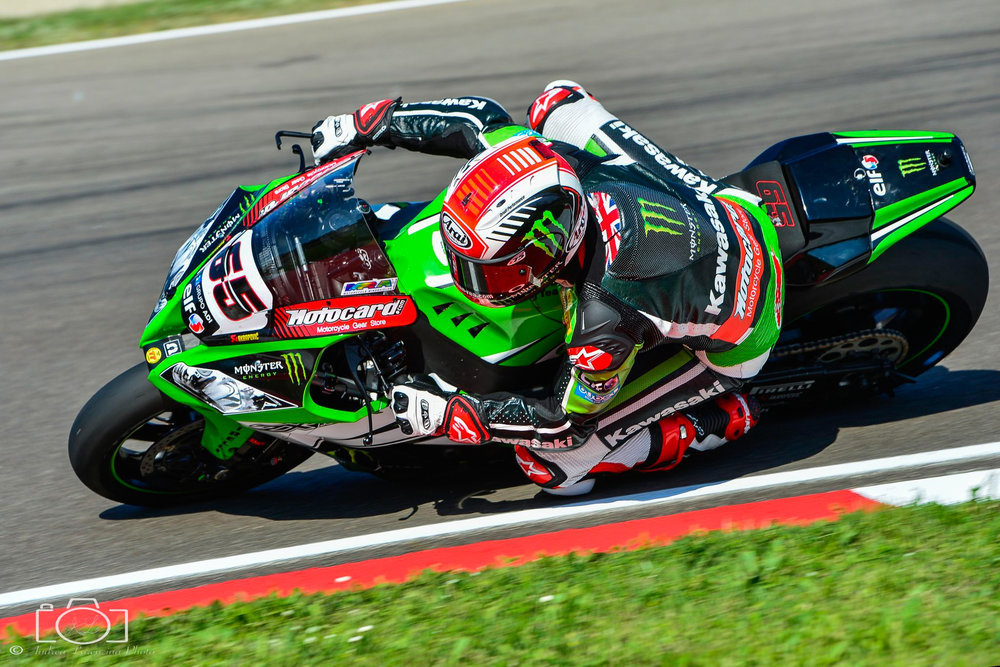 26-superbike-sbk-moto-bike-imola-race.jpg