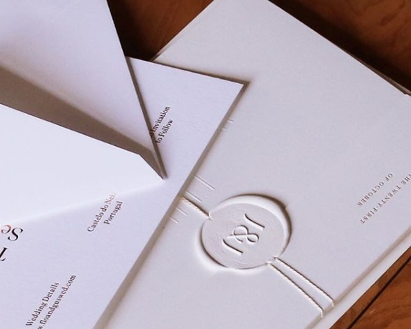 Venamour - One of our favorite stationary artists, Venamour, is a boutique stationery studio specializing in bespoke ephemera inspired by the creative potential of paper, printing, and typography.