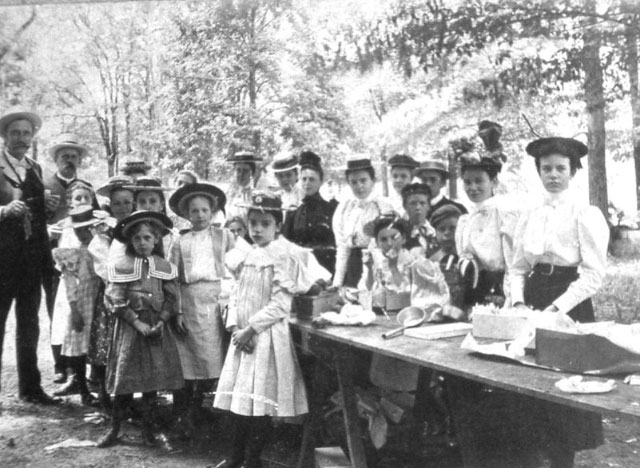 Sunday School picnic, 1916