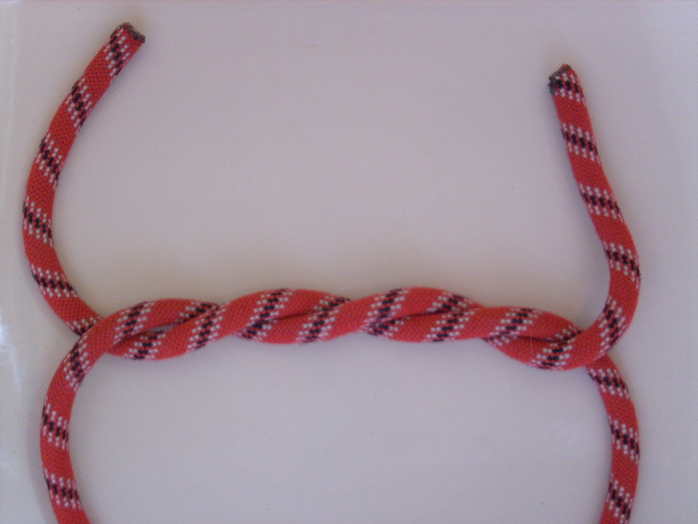 Double overhand knot from Wikipedia article