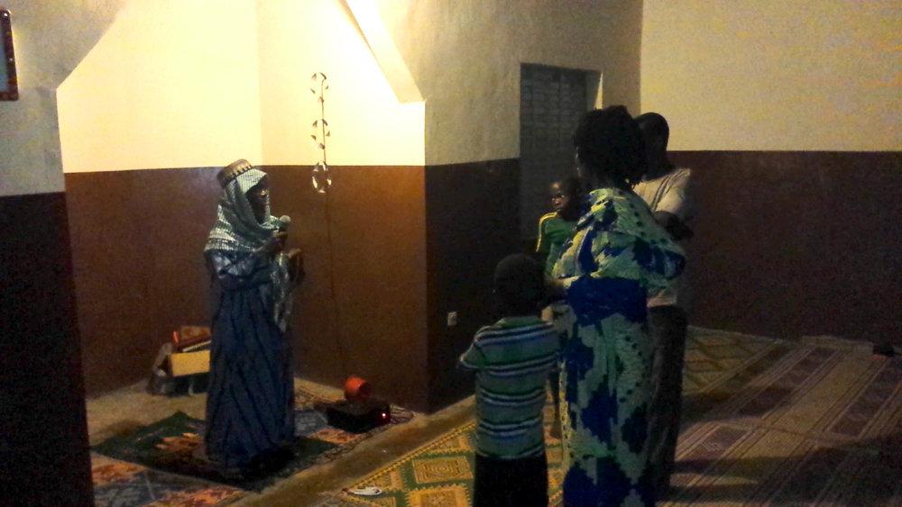 L'Imam dans sa mosquée