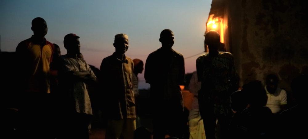 Hommes crépuscule Igbérè
