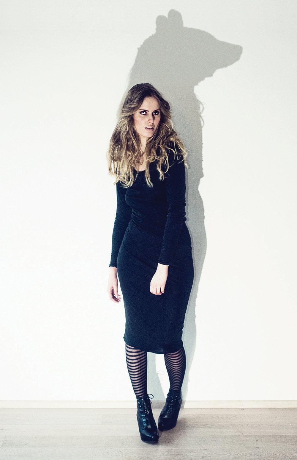 black-dress_o.jpg