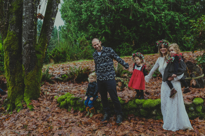 love story, vow renewal, the couple that went viral, mel and gabby, trina cary photography, vancvouer island, courtenay, flower crowns, children, true love, passion, romance, forever, surprise