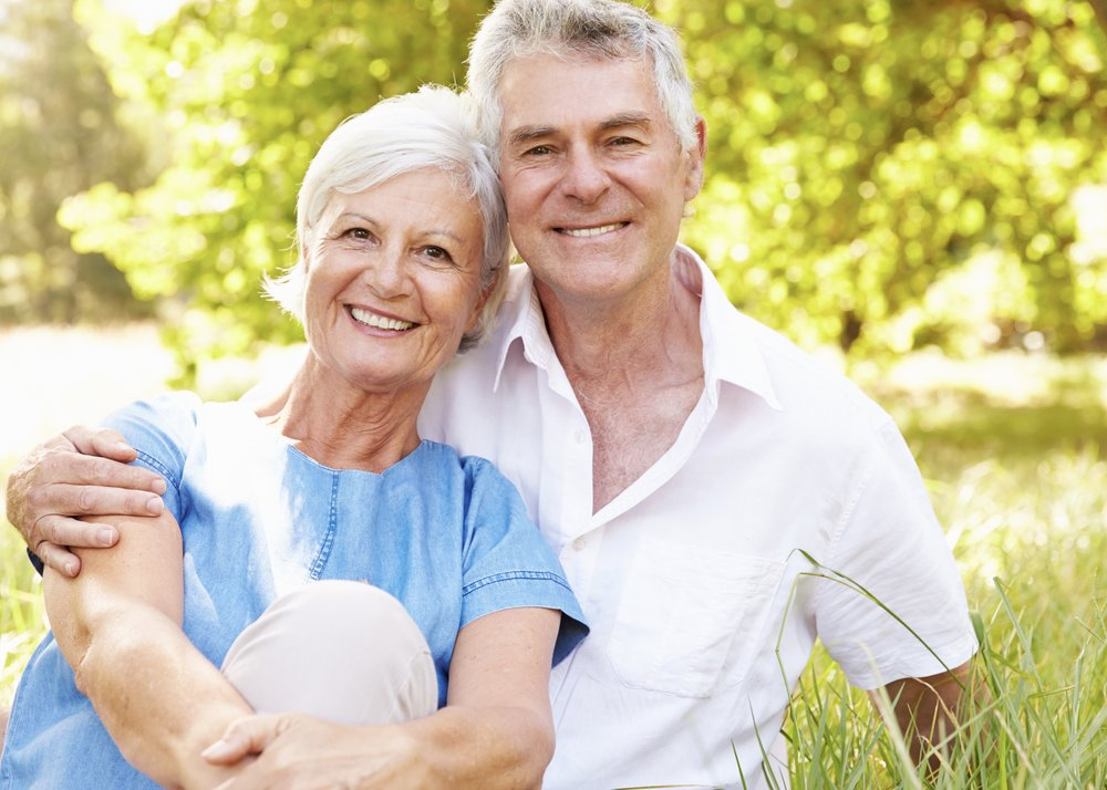 couple smiling_wellness_color