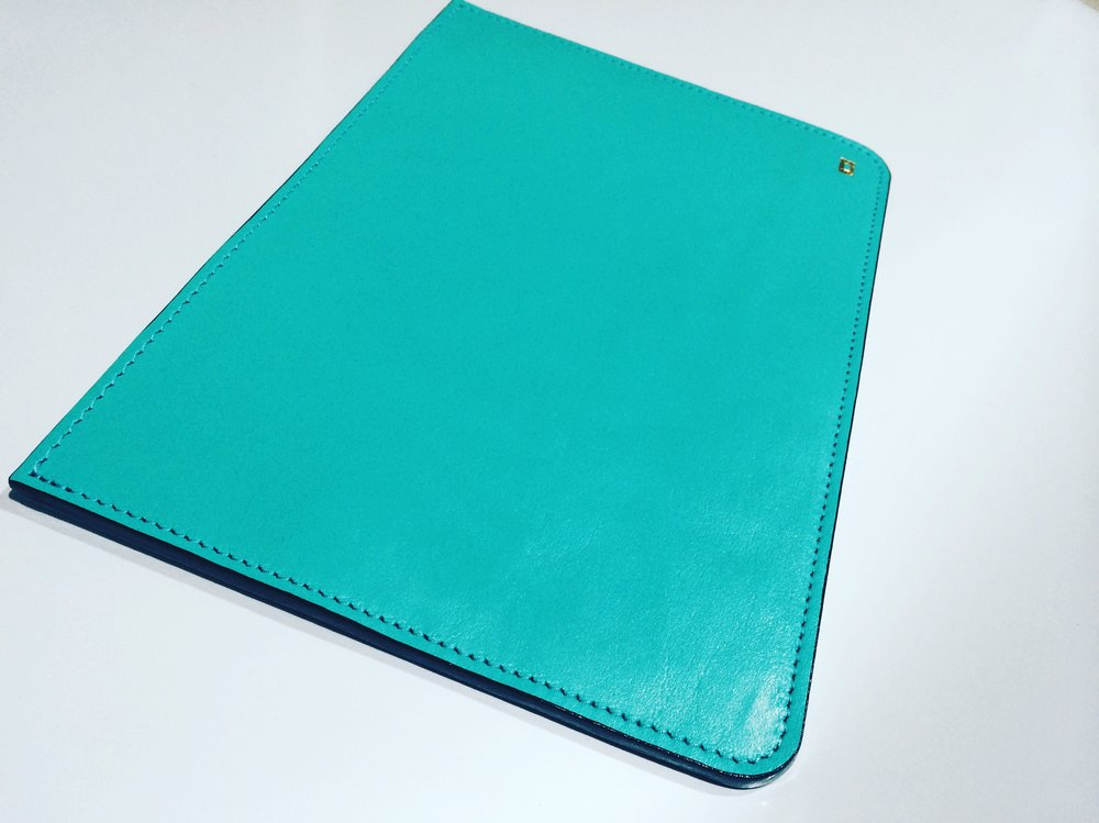 Chéri Chéri Leather iPad Sleeve - DROP