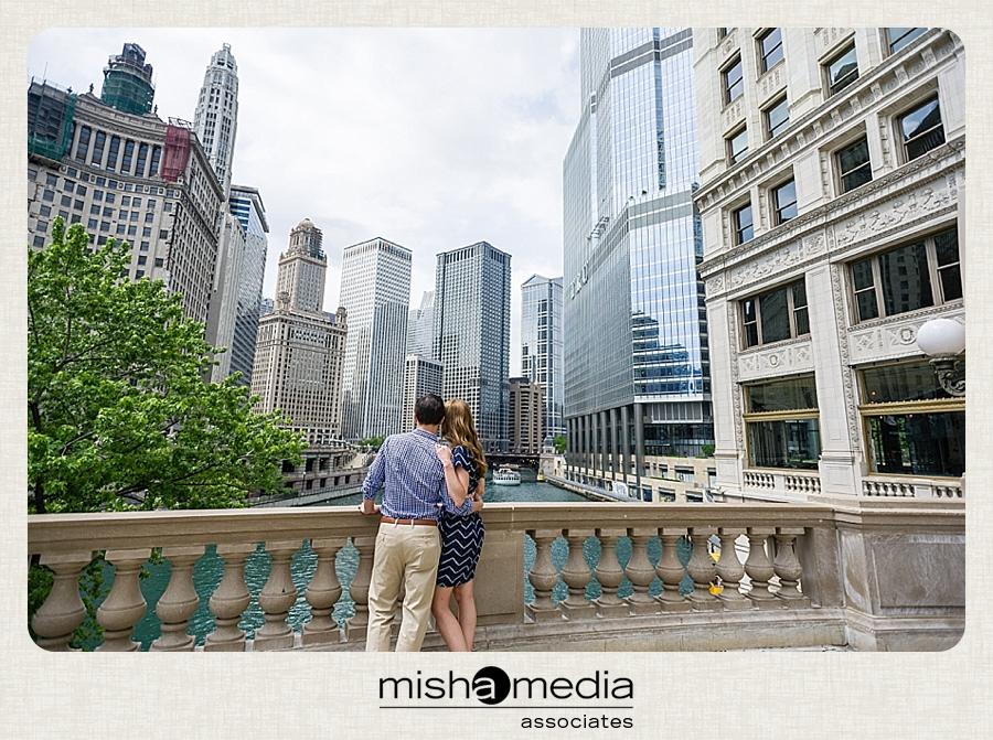 chicago_engagement_session_photos_michigan_avenue_bt 013