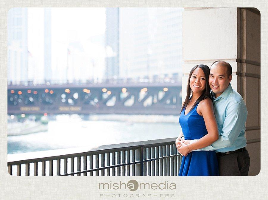 Chicago Riverwalk Engagement Session-ee_0008