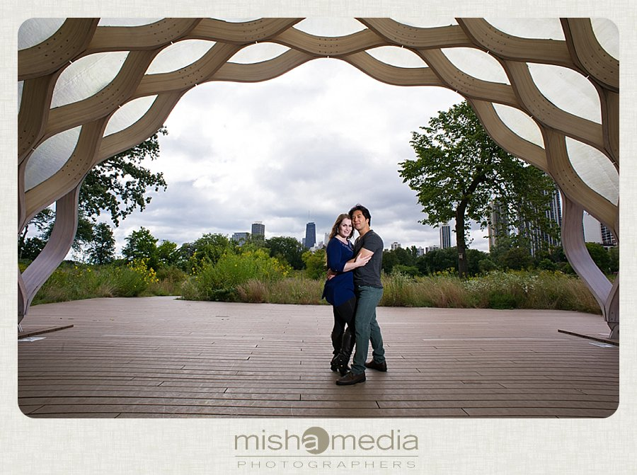 Engagement Session at Lincoln Park Nature Walk_0001