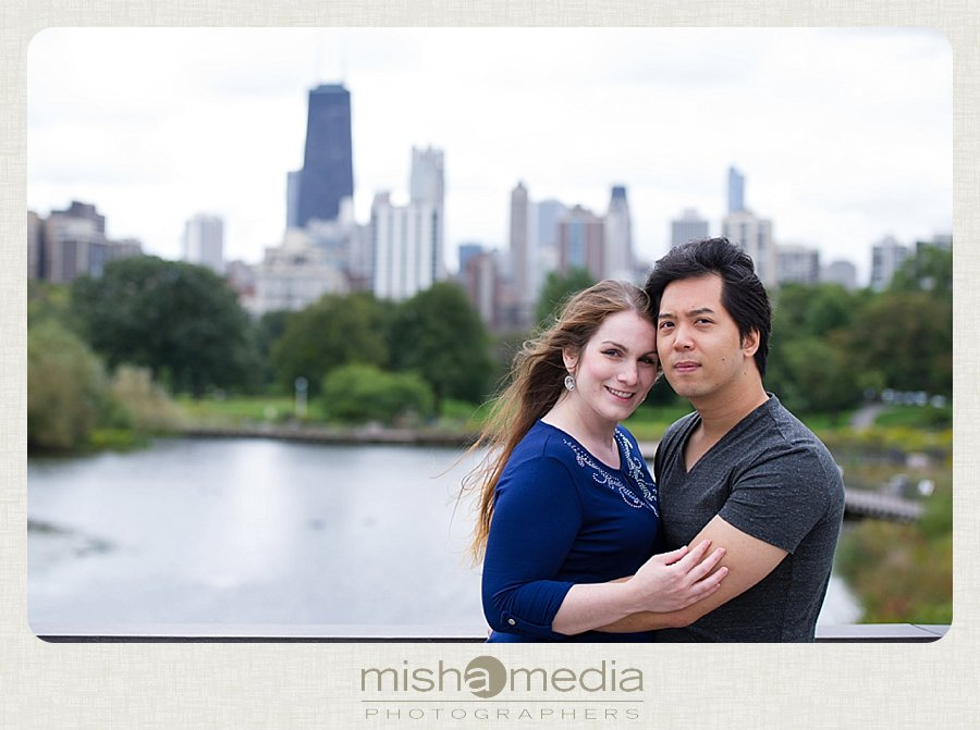 Engagement Session at Lincoln Park Nature Walk_0004