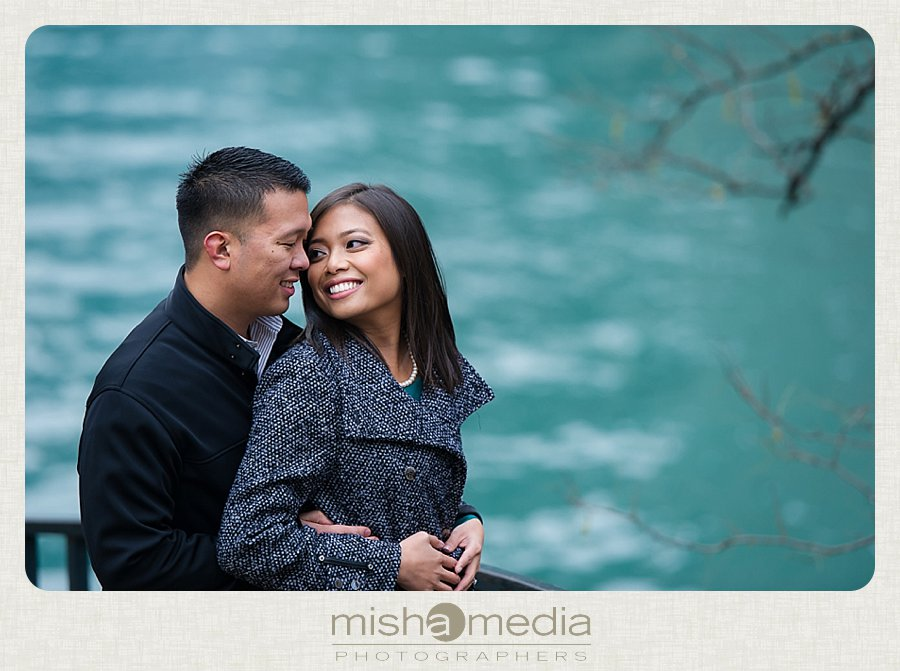 Engagement Session at Chicago Riverwalk_0006