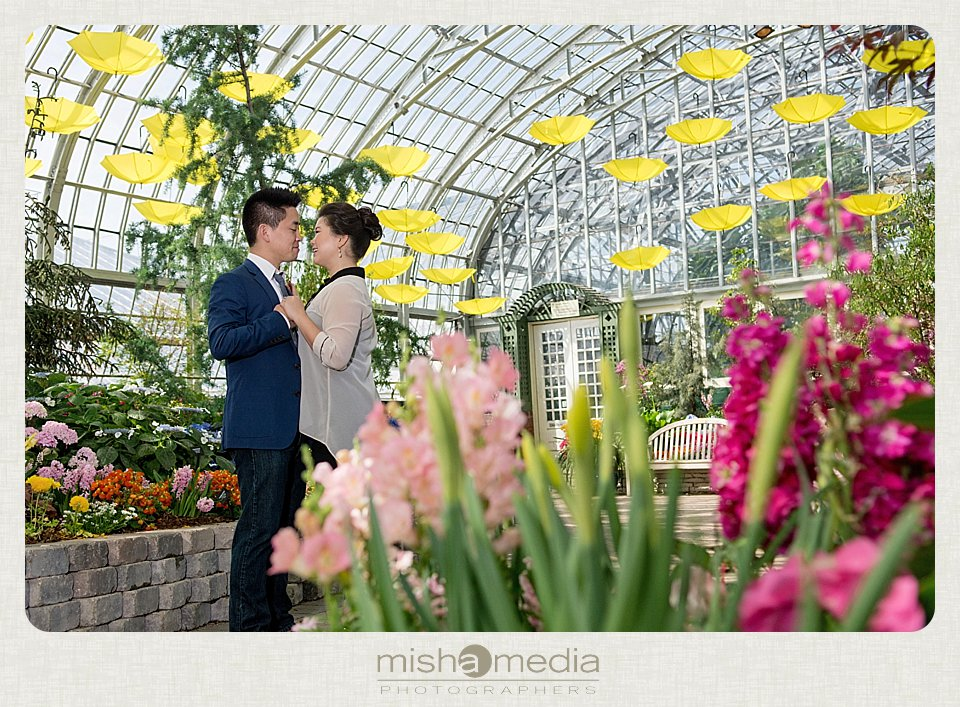 Garfiled_Park_Conservatory_Engagement_Session 05