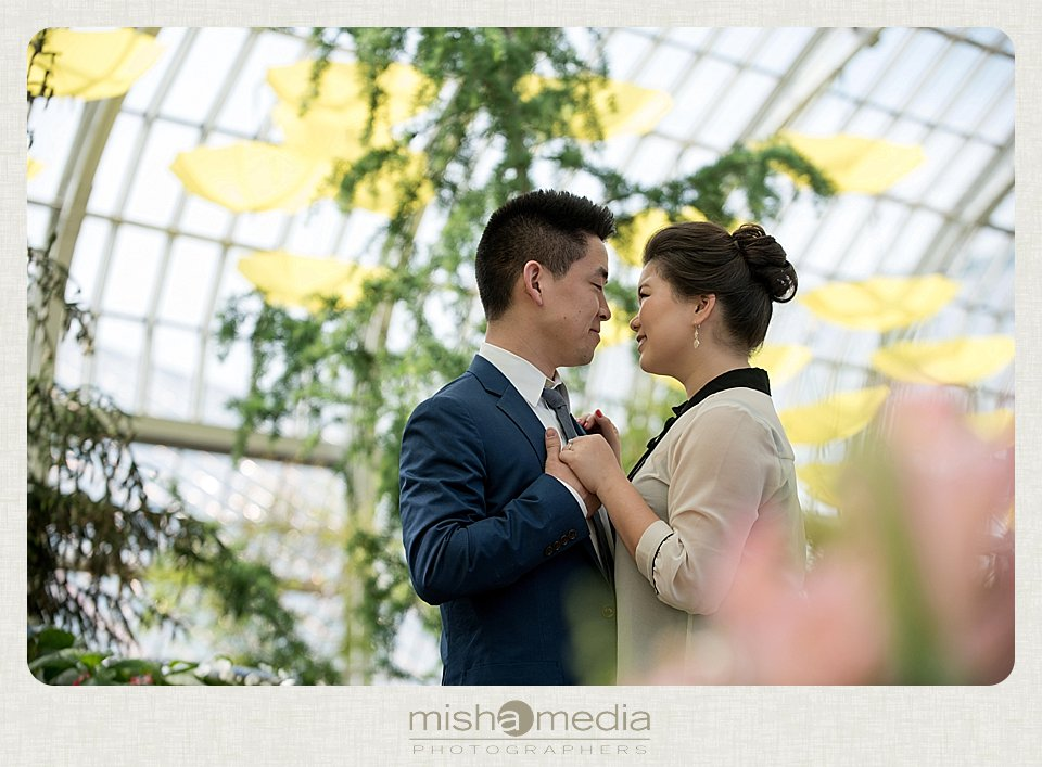 Garfiled_Park_Conservatory_Engagement_Session 07