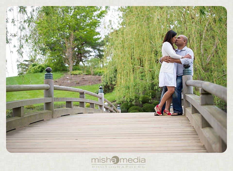 Engagement Session at Chicago Botanic Gardens_0003