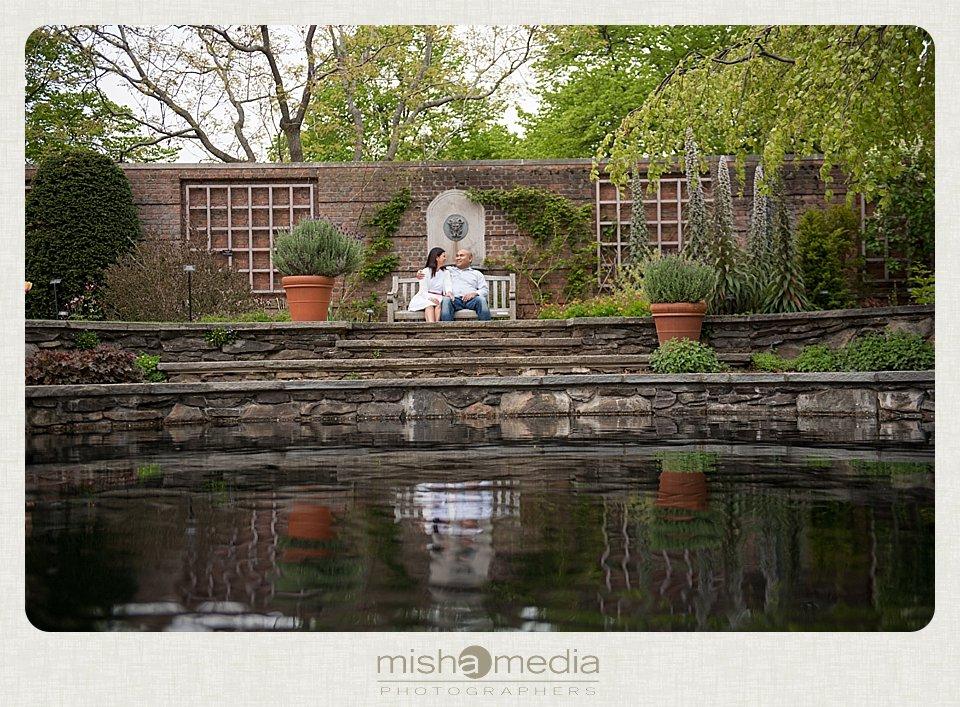 Engagement Session at Chicago Botanic Gardens_0009