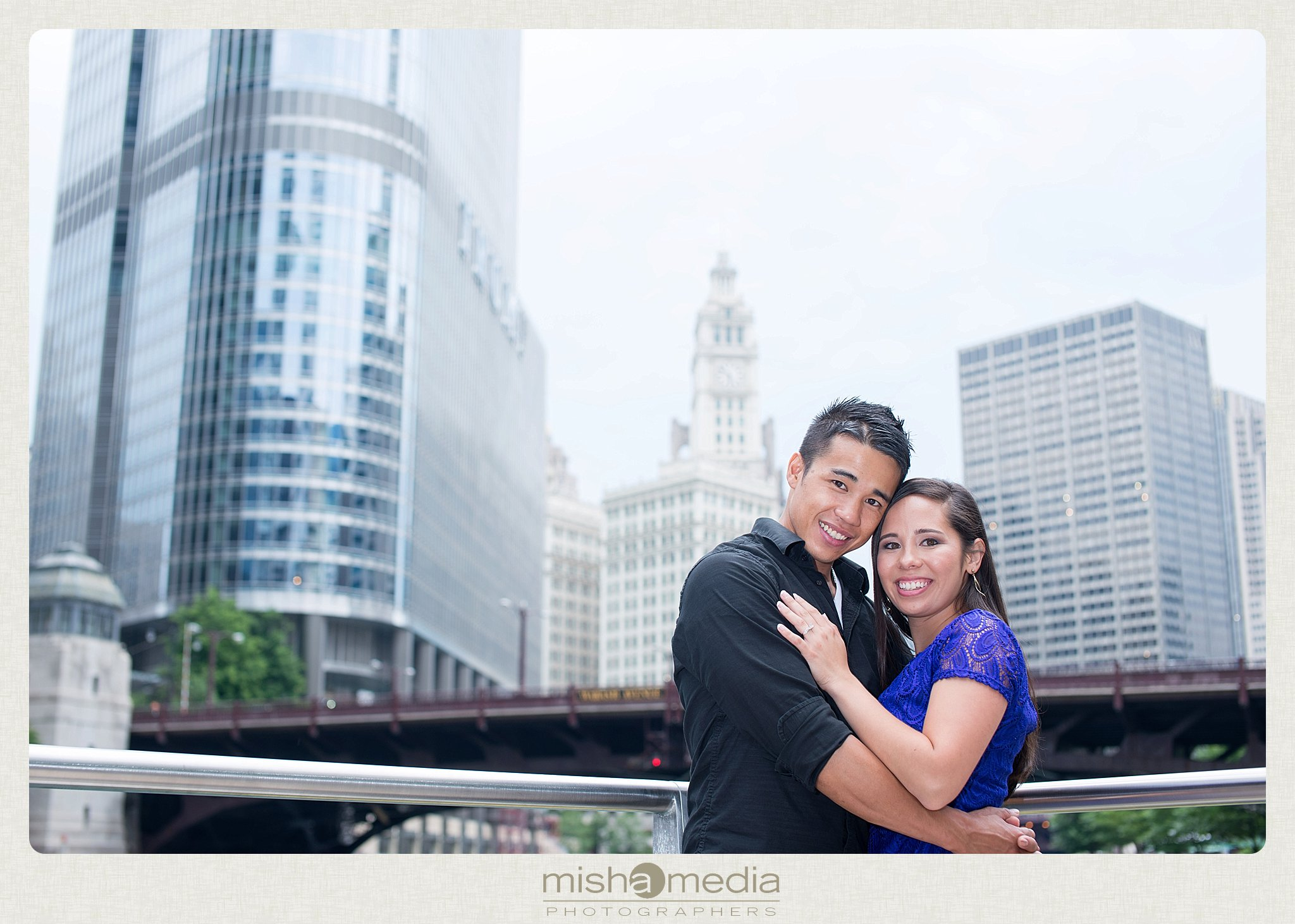Downtow Chicago Engagement Session_0011