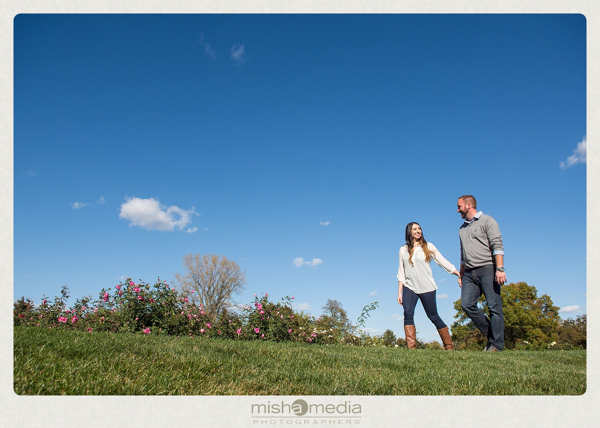 Engagement Photos at Cantigny Gardens_0001