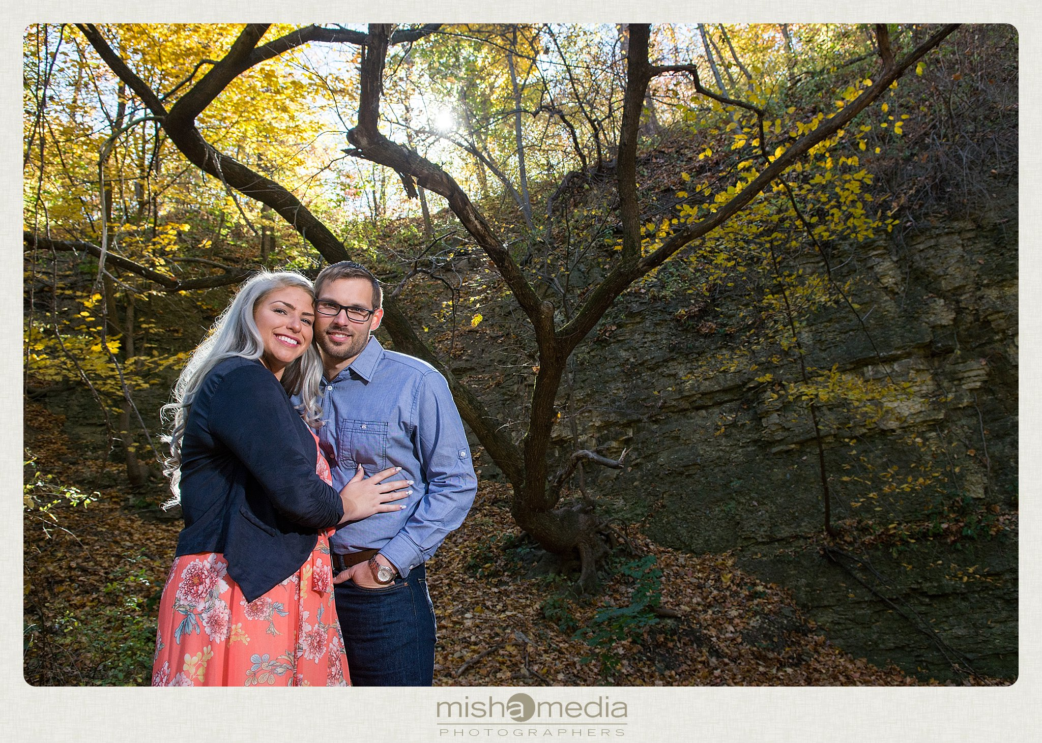 Outdoor Engagement Session at Dellwood Park_0006