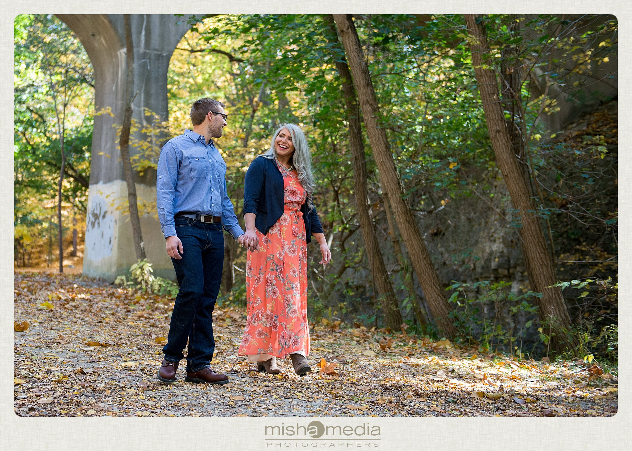 Outdoor Engagement Session at Dellwood Park_0010