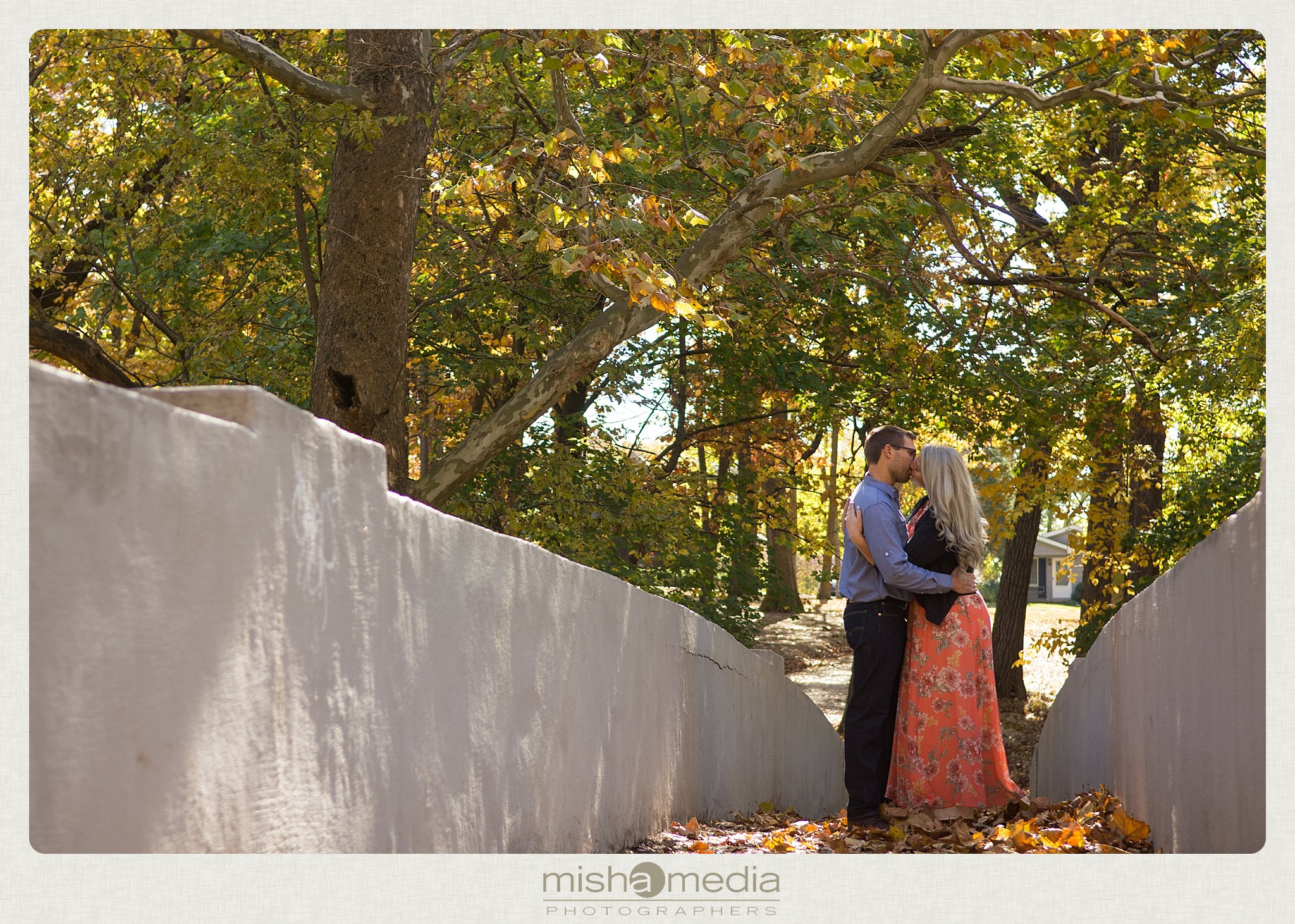 Outdoor Engagement Session at Dellwood Park_0012