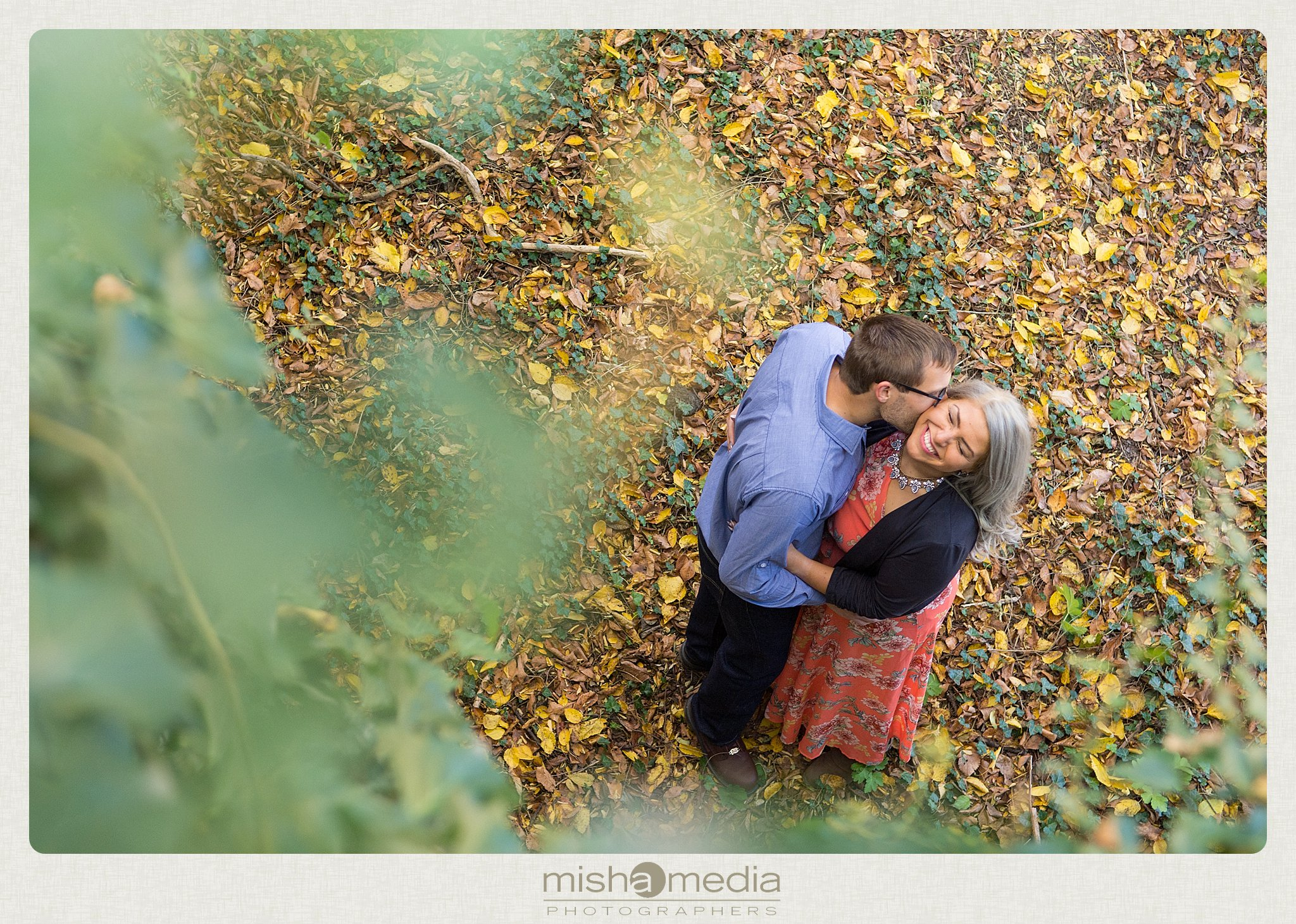 Outdoor Engagement Session at Dellwood Park_0015