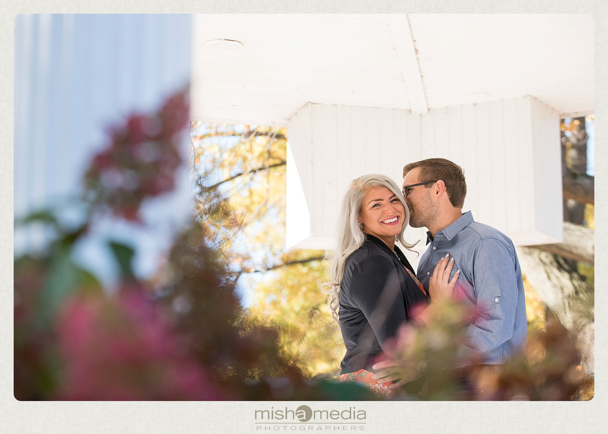 Outdoor Engagement Session at Dellwood Park_0017